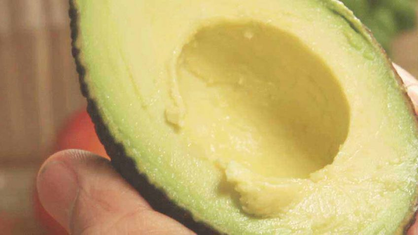 How to peel and cut an avocado