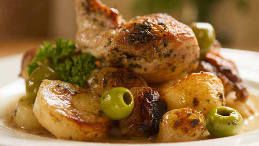 Sicilian chicken recipe with green olives and potatoes