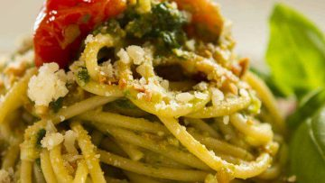 Spaghetti with pesto recipe