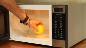 How to extract all the juice from a lemon
