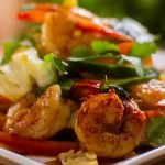 Warm salad with shrimps or prawns