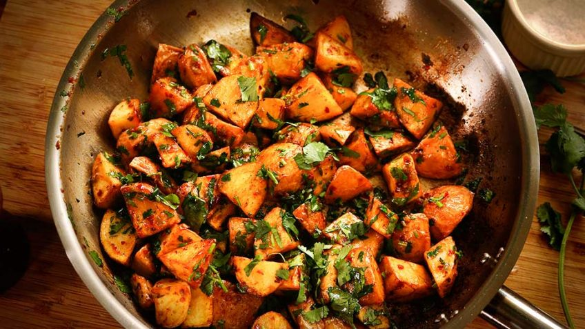 Spicy Garlic Potatoes The Lebanese Batata Harra
