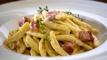 Capunti in cream pecorino cheese and pancetta sauce