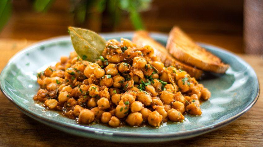 Braised Chickpeas Mediterranean Style