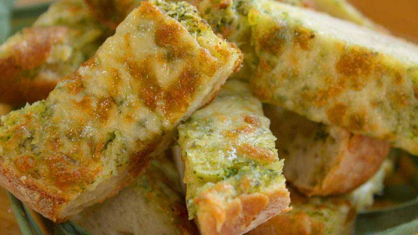 How to make garlic bread recipe