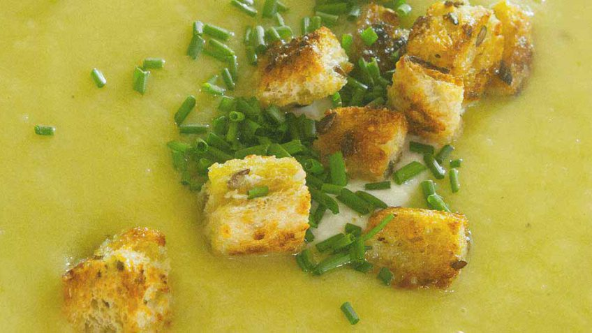 leek-and-potato-soup-recipe