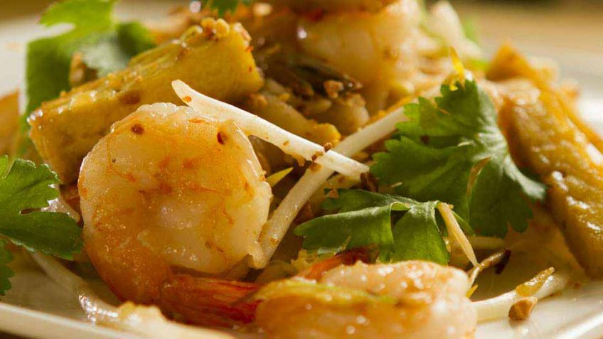 Pad thai noodles with shrimp easy meals with video recipes by chef phad thai recipe forumfinder Images