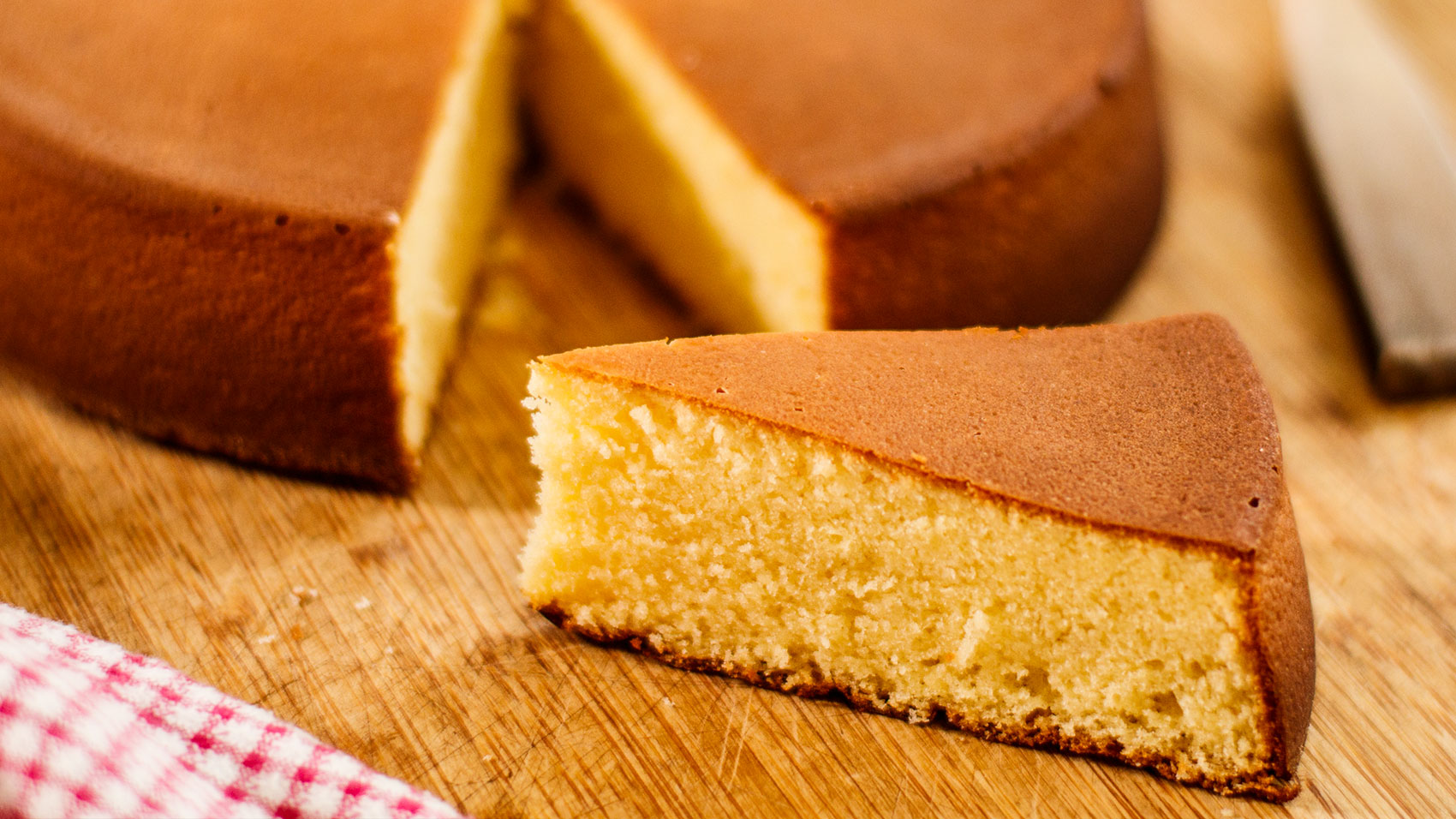 Classic Genoise Vanilla Sponge Cake Recipe