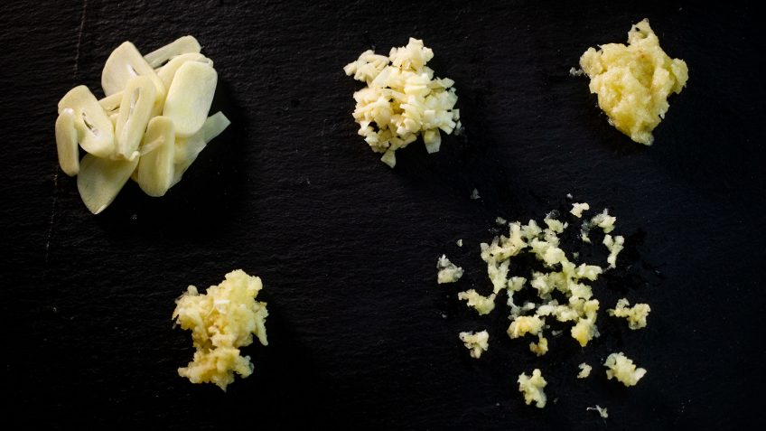 5 ways to chop garlic