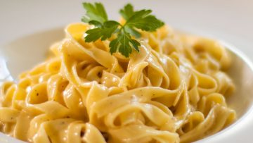 Authentic Fettuccine Alfredo