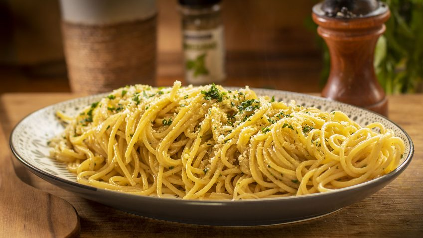 cheesy onion spaghetti
