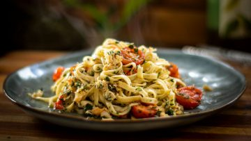 15 Minute Crab Linguine