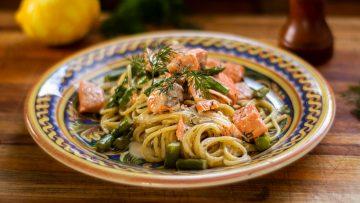 Creamy Salmon Spaghetti with Asparagus